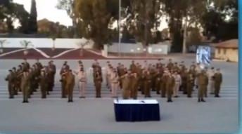 Photo of Absolventi izraelské vojenské školy znakovali národní hymnu