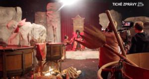 Reportáž o vánoční pohádce sneslyčícími herci