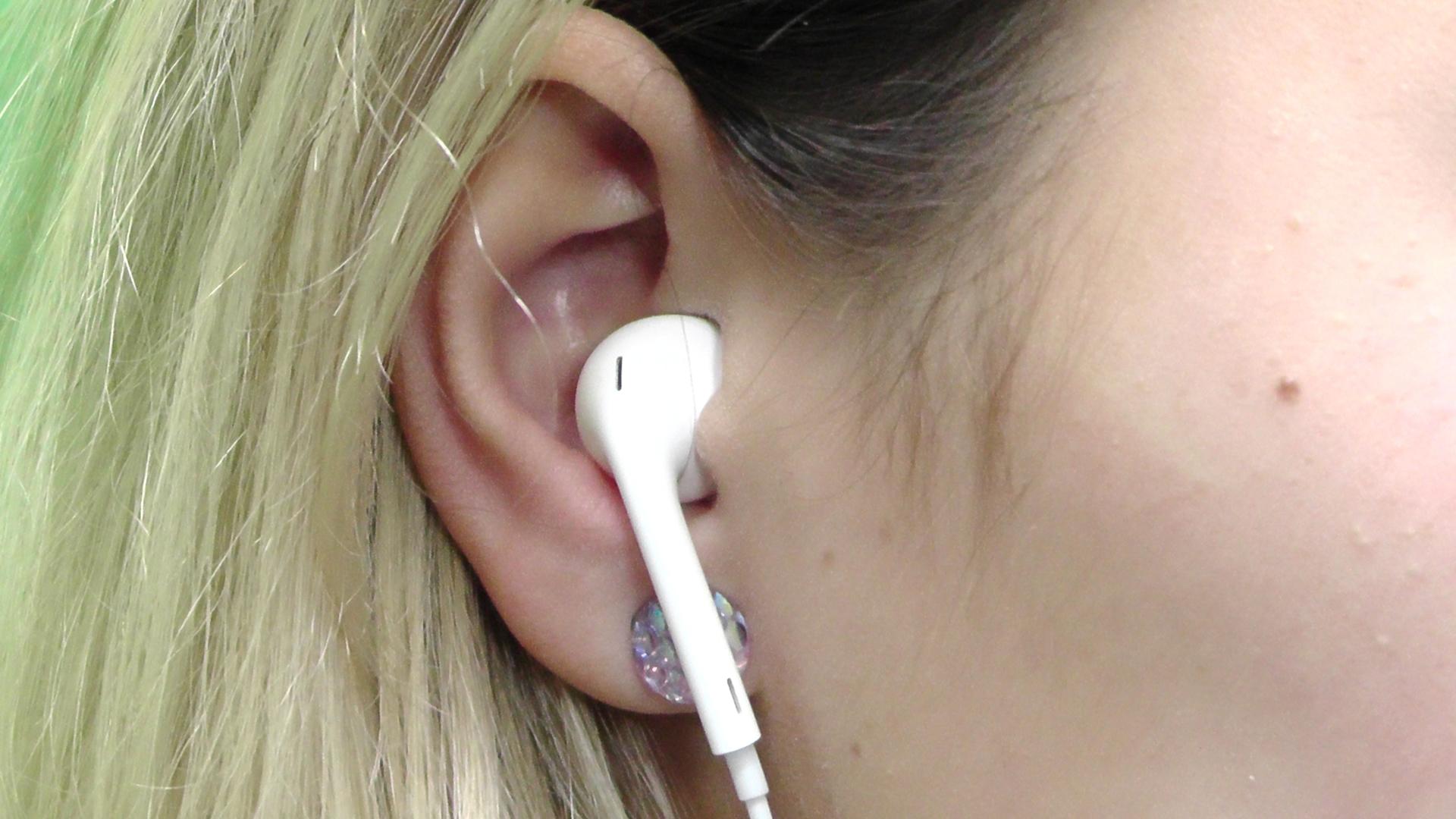 Photo of Stále více mladých lidí trpí poruchou sluchu