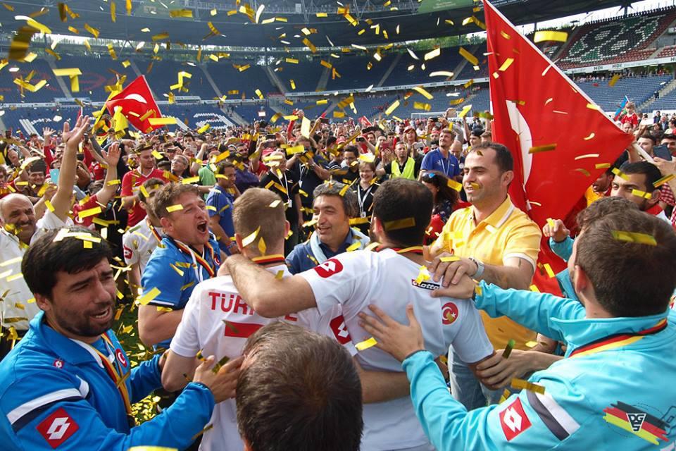 Photo of Fotbalisté se utkají sTureckem