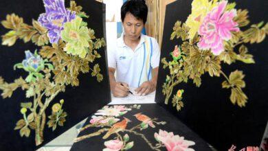 Photo of Neslyšící čínský farmář vyrábí obrazy ze slámy