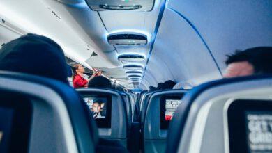 Photo of Letuška zpříjemnila let neslyšící dívce, která poprvé cestovala sama letadlem