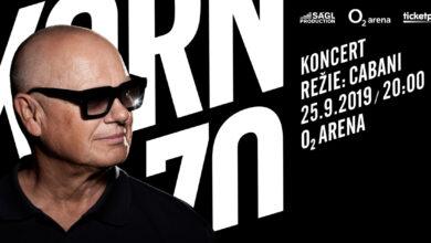 Photo of Zpěvák Jiří Korn na svém koncertě ohromil publikum písničkou ve znakovém jazyce!