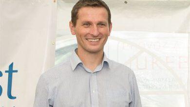 Photo of Moderátor Vladimír Kořen se také potýká spostižením sluchu
