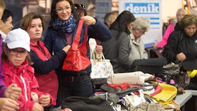 Photo of Výtěžek zprodeje kabelek pomůže neslyšícím rodičům